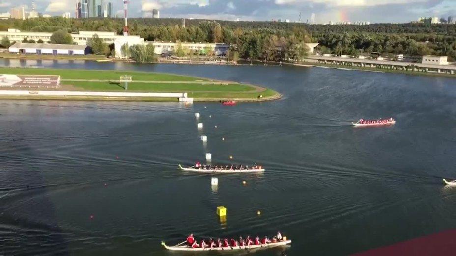 Drachenboot-WM: 20er Rennen in traumhafter Umgebug